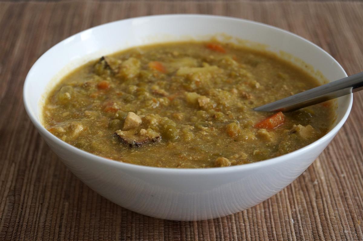 http://www.foodictive.nl/wp-content/uploads/Vegetarische-erwtensoep-met-gerookte-tofu.jpg